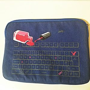 AMERICAN EAGLE OUTFITTERS LAP TOP COMPUTER SLEEVE